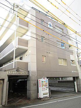 マンション(建物一部)-福岡市中央区平尾3丁目 タイル張り、ライトグレーの落ち着いた外観