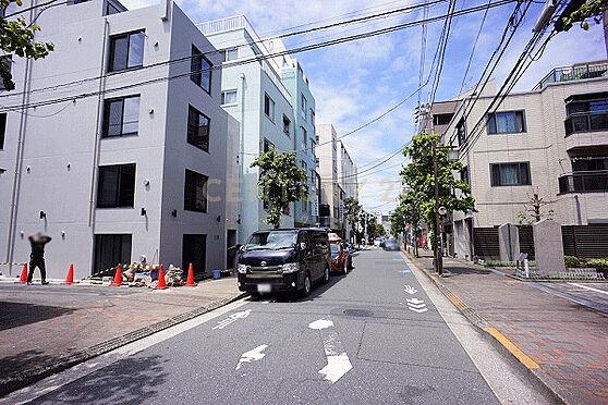 マンション(建物全部)-大田区大森北5丁目 東側前面道路