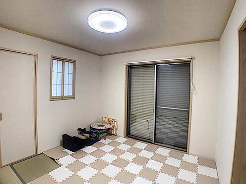 中古一戸建て-名古屋市守山区百合が丘 リビングの横に和室が有るので、客室としてもお子様のお部屋としても使いやすいです
