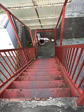 アパート-磐田市西貝塚 2階より1階に下がる、階段状況