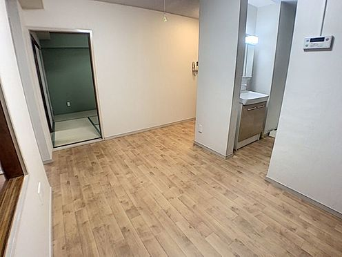 中古マンション-名古屋市昭和区山花町 リビング横がすぐ洗面所なので家事もスムーズです!