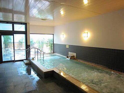 中古マンション-伊東市荻 【温泉大浴場】広い温泉大浴場で毎日温泉を楽しめます。