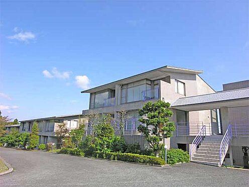 中古マンション-伊東市富戸 低層型、デザイン性の高いマンション外観ですね。