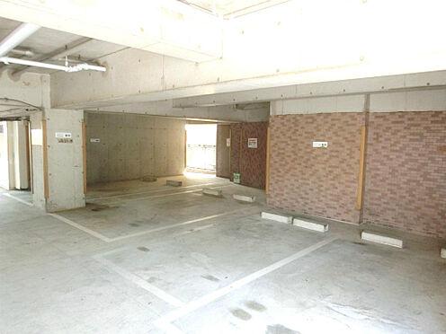 マンション(建物一部)-葛飾区亀有4丁目 地下駐車場