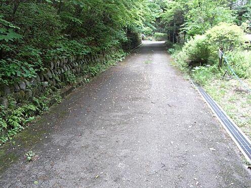 土地-北佐久郡軽井沢町大字長倉 利便性が良いにも拘わらず、静かな環境の千ヶ滝東区別荘地です。