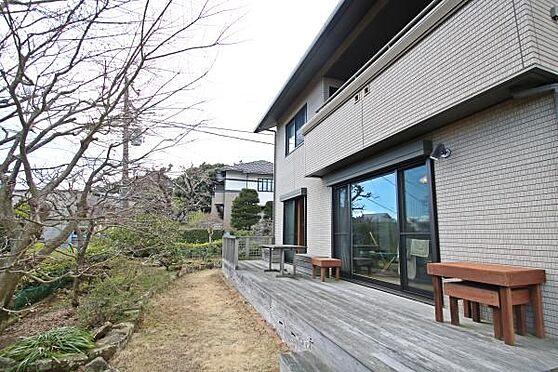 中古一戸建て-熱海市伊豆山 1階テラス部分です。家族団らんでバーベキューなど行う事が可能です。