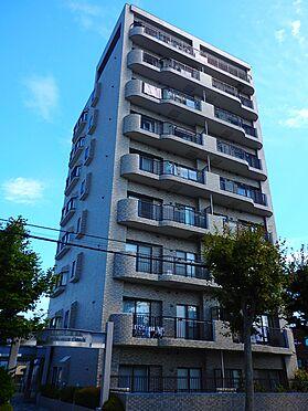 中古マンション-札幌市豊平区月寒東三条3丁目 南西側から見た見上げの外観