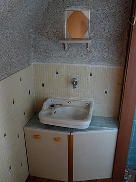 アパート-呉市西塩屋町 収納スペース付の洗面台です♪(2階)