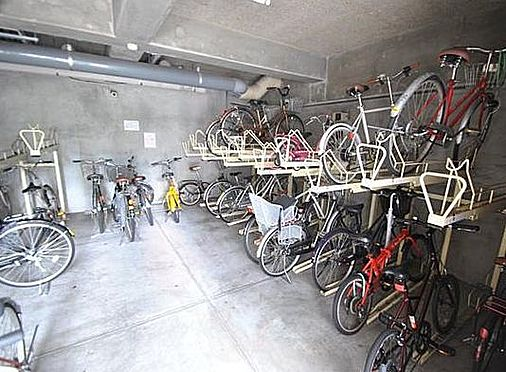 マンション(建物一部)-大阪市北区浮田1丁目 屋根のある駐輪場あり