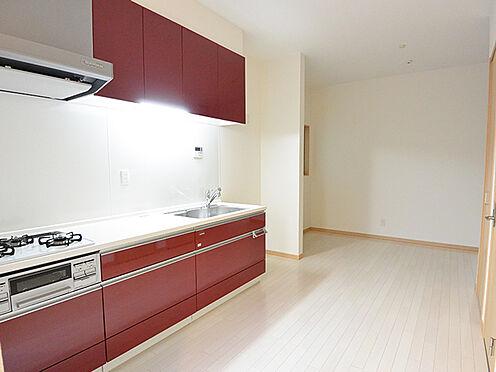 アパート-大阪市生野区鶴橋3丁目 【洋室】住戸のメインとなる洋室です。1階は約10.0帖、2階は約8.5帖の広さがあります。どちらの住まいにもクローゼットがございますので、住空間を有効にお使いいただけます。