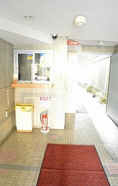 マンション(建物一部)-京都市中京区田中町 明るい印象の共用部