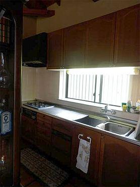 中古一戸建て-伊東市富戸 キッチン 広めのキッチンの為、とても使いやすくできています。
