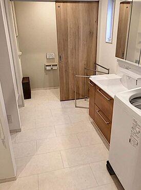 戸建賃貸-北名古屋市西之保立石 3帖以上のゆったりとした洗面所。