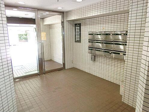 マンション(建物一部)-横浜市西区平沼1丁目 エントランス内です。共用部の管理も良好です。