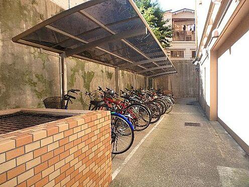 マンション(建物一部)-神戸市中央区下山手通8丁目 駐輪場があるから駅へのアクセスにも便利。