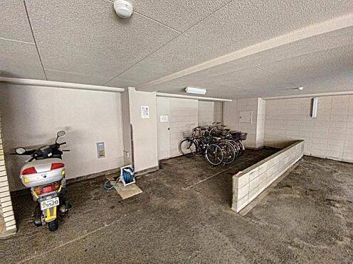 区分マンション-名古屋市中川区五女子1丁目 駐輪場には屋根があります。