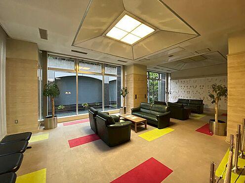中古マンション-横浜市神奈川区栄町 来客の際などに便利なロビー、応接室のようです。