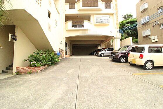 アパート-沖縄市宮里3丁目 駐車場