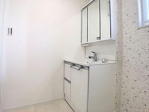 戸建賃貸-西尾市吉良町上横須賀池端 清潔感溢れるスタイリッシュなデザインの洗面化粧台♪
