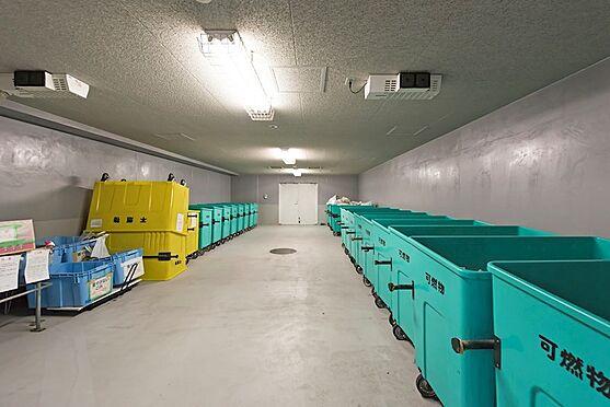 中古マンション-中央区晴海5丁目 いつも清潔に管理が行き届いたごみ置き場。もちろん24時間いつでも捨てられます。