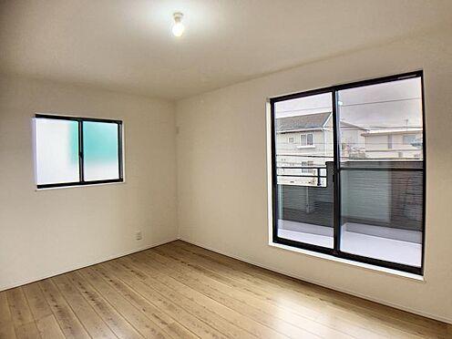 新築一戸建て-名古屋市名東区大針2丁目 採光・通風に優れた心地よい空間。お掃除ラクラクなフローリングのお部屋です。