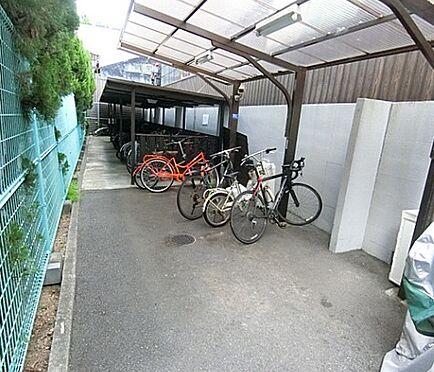 区分マンション-京都市下京区忠庵町 屋根付き駐輪場・バイク置き場有
