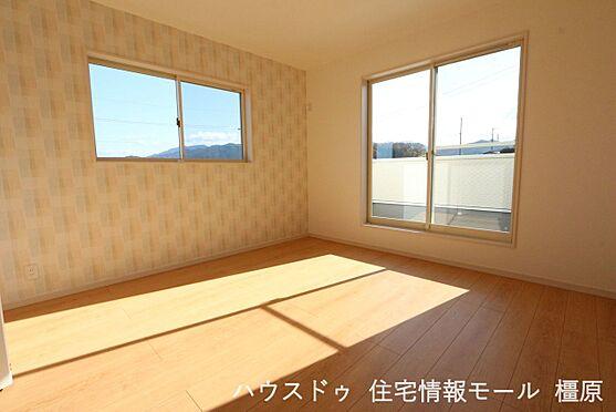 戸建賃貸-橿原市菖蒲町3丁目 2階洋室は全てフローリング貼でお掃除楽々!清潔に保てます。(同仕様)