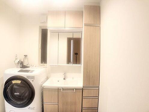 中古一戸建て-みよし市潮見 湿気のこもりやすい洗面室は窓があると換気が出来てお手入れしやすいです