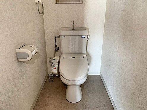 中古マンション-刈谷市小山町1丁目 白を基調とした清潔感のあるトイレ