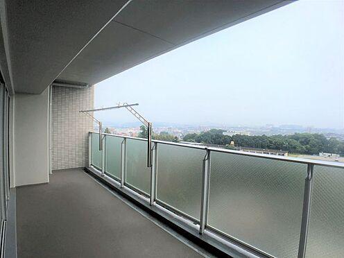 中古マンション-豊田市小坂本町5丁目 南側の広々としたワイドバルコニー、天気のいい日はお布団も干せますね!