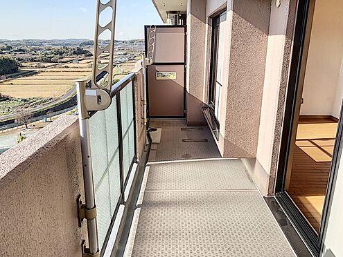 中古マンション-知多郡東浦町大字森岡字南陽二区 お洗濯物やお布団を干すスペースが十分にあり日当たりも良いのですぐに乾きそうですね