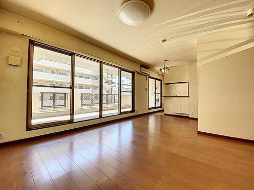 区分マンション-福岡市城南区別府4丁目 約17.4帖の広々LDKです♪