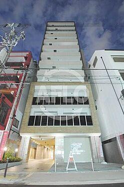 区分マンション-大阪市中央区西心斎橋2丁目 クリスタルエグゼ心斎橋 夜の外観は格別な雰囲気です