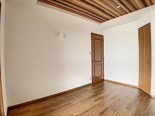 区分マンション-名古屋市中川区新家2丁目 6帖洋室にはウォークインクローゼット付!