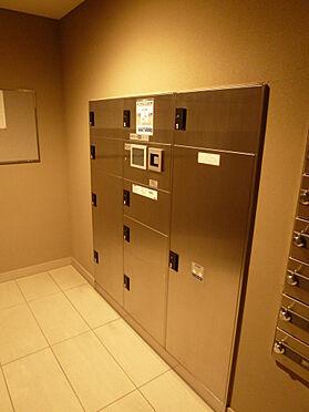 マンション(建物一部)-川口市芝新町 相と数55戸に対し、宅配ボックスは10ボックスあり、数は十分です。
