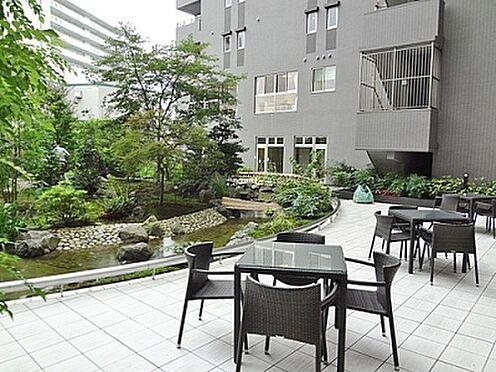 マンション(建物一部)-京都市伏見区淀木津町 眺めのいい中庭もあります。