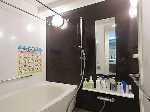 中古マンション-八王子市上柚木2丁目 1418サイズのフルオートバス。浴室乾燥機もついています。