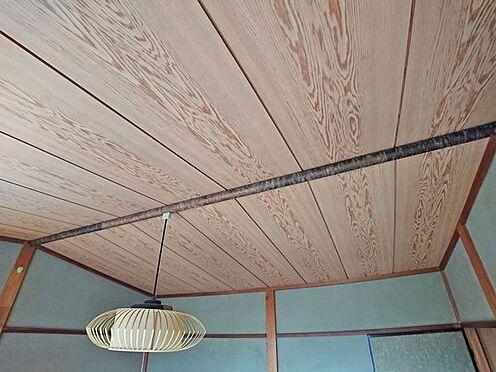 中古一戸建て-伊東市富戸大室高原 2階の和室天井部は舟底天井です。