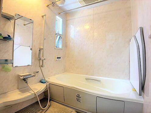 戸建賃貸-碧南市尾城町4丁目 お風呂には手すりがついているので、お年寄りにも安心な浴室です☆