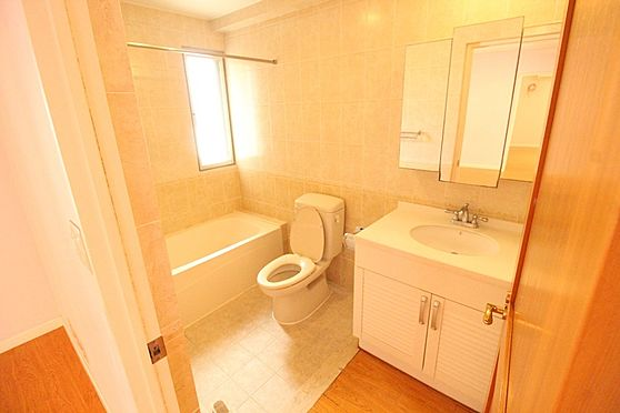 アパート-沖縄市宮里3丁目 洗面所&トイレ