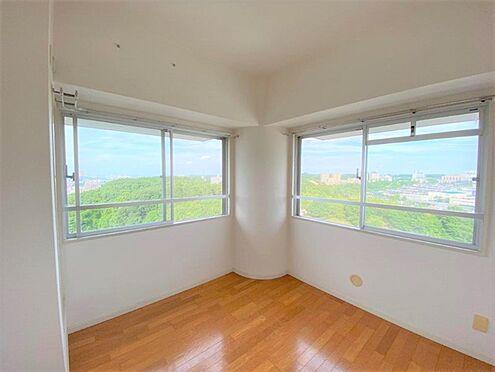区分マンション-八王子市別所1丁目 洋室4.5帖からの絶景の眺望です。!