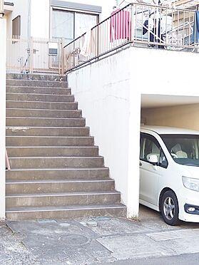 中古一戸建て-八王子市北野町 車庫・階段