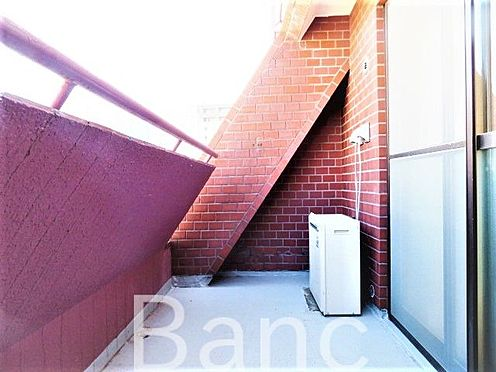 中古マンション-港区南麻布2丁目 明るいバルコニー