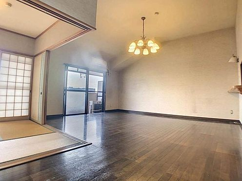 区分マンション-豊田市下市場町8丁目 客間としても家族のくつろぎの部屋としても、使い方いろいろです!畳の温かみはフローリングにはない良さです◎