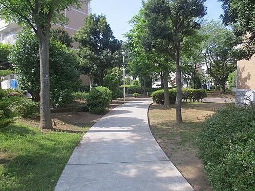 区分マンション-千葉市美浜区高浜3丁目 敷地内の散歩も楽しみ!