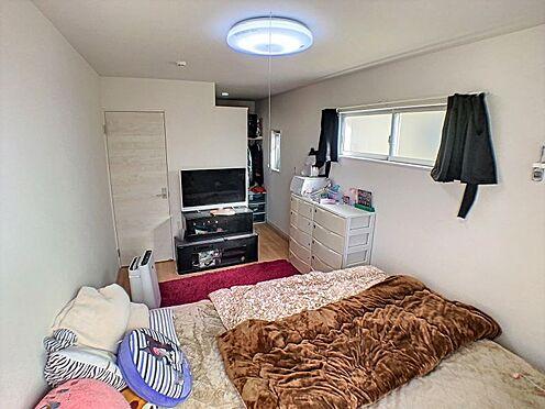 戸建賃貸-碧南市緑町4丁目 各居室に収納完備、お部屋もスッキリ片付きます。