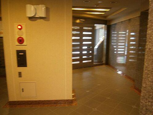 マンション(建物一部)-文京区千石4丁目 御影石をふんだんに使ったグレードの高いエントランスホールです