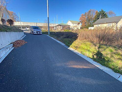 土地-北佐久郡軽井沢町大字長倉 前面道路は舗装されたきれいな道路