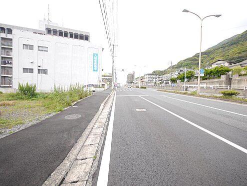 店舗・事務所・その他-北九州市小倉北区霧ケ丘3丁目 東側の公道、幅員10.5mに接道しています。