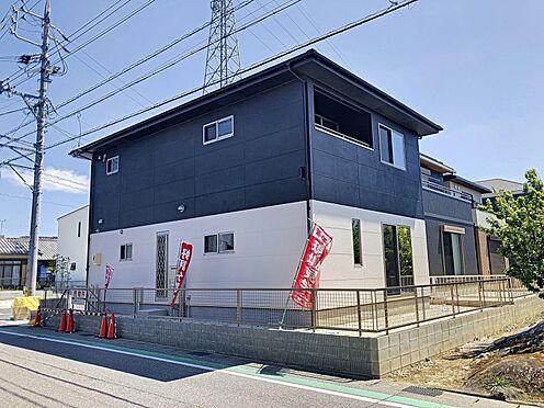 戸建賃貸-岡崎市東大友町字塚本 二方向の道路に面した角地◎陽当り・通風良好です